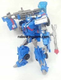 Transformers News: In-Hand Images: Transformers Prime Wave 4 Voyagers Ultra Magnus & Thundertron