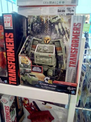 Transformers: The Last Knight Turbo Changer Hound and Legion Hot Rod at Chilean Retail