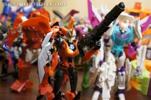 Transformers News: BotCon 2014 Pirates Vs Knights Souvenir Exclusive Gallery