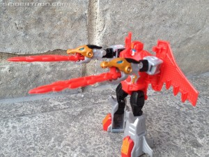 Pictorial Review of Warrior Twinferno from Robots in Disguise