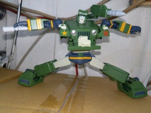 In Hand Images of Masterpiece MP-47 Hound