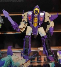 Transformers News: Video Review: Transformers Generations Voyager Class Blitzwing