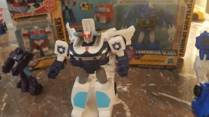 Prowl, Ratchet, Soundwave, and More from Transformers Cyberverse Toyline #NYCC