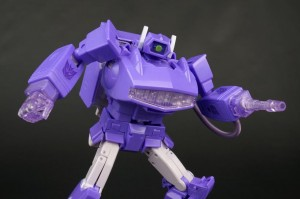 Transformers News: New Gallery: Transformers Masterpiece MP-29 Destron Laserwave (Shockwave)
