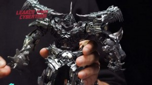 Transformers News: 'Leaked from Cybertron' Clip for Transformers Studio Series Grimlock