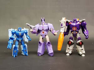 In Hand Images of Kingdom Optimus Primal, Cyclonus and more with Size Comparisons