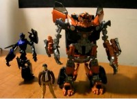 Video review of ROTF Human Alliance Mudflap, Chromia and Simmons
