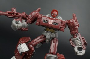 Transformers News: New Gallery: Generations Combiner Wars Legends Class Warpath