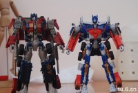 Comparison of Transformers HFTD Voyager Optimus Prime &  Movie 1 Voyager Optimus Prime
