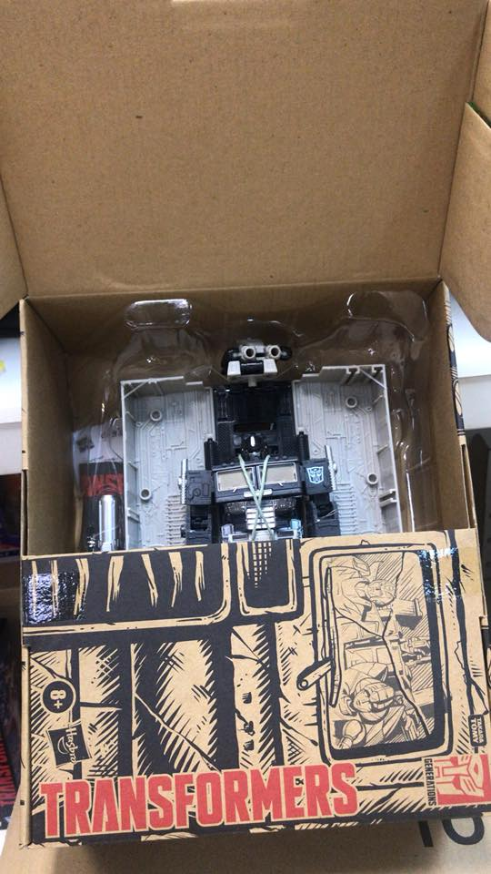 Transformers Alternate Universe Optimus Prime to be a Prime Day Release on Amazon + Package Photos