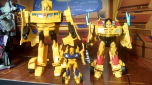 Scale Comparison and Articulation Breakdown for Transformers Generations Cyber Series