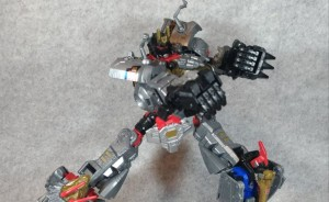 New Configuration Found for Transformers Power of the Primes Dinobot Combiner Using Only 3 Robots