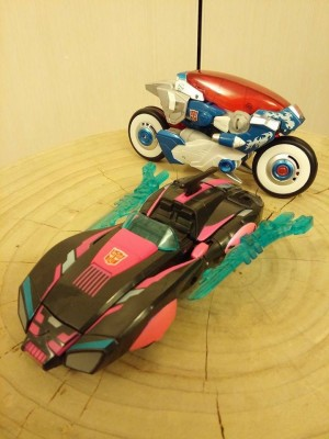 Transformers News: New decos for Generations Arcee and Chromia