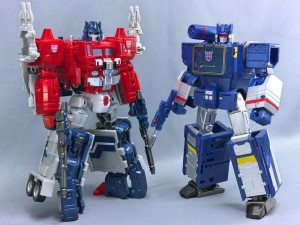 Transformers News: In-Hand Images of Takara Tomy Transformers Legends Soundwave, Ravage, Laserbeak