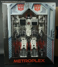 Transformers News: SDCC 2013 Metroplex Unboxing and New Details About Exclusive Set
