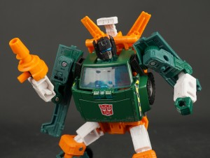 New Gallery: Deluxe HOIST from Transformers War for Cybertron Earthrise