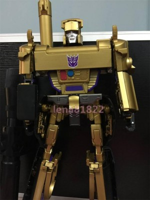 Transformers News: In-Hand Images - Takara Transformers Masterpiece 30th Anniversary MP-05 Gold Megatron