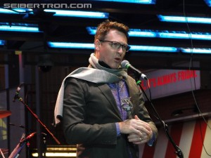 "Transformers News: #Botcon 2016 New Video: David Kaye Hall of Fame Acceptance Speech ""20 Years Predacons"""