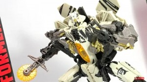 English review for Studio Series Voyager 21 ROTF Starscream