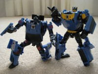 Out of Box Images of TFCC Punch / Counterpunch and Shattered Glass Cyclonus