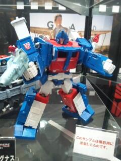 Transformers News: Color picture Takara MP-22 Ultra Magnus