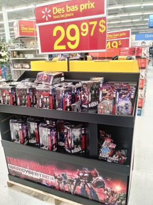 Siege Leader Class Optimus Prime Possibly Leaked by IDW + Specialized Siege Display found in Stores