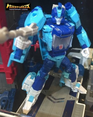 TakaraTomy Transformers Legends: Tokyo Toy Show 2016 Display Images