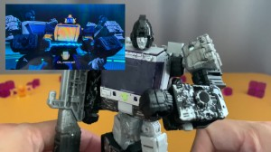 Video Review for Netflix Transformers deluxe Ironhide Redeco Quintesson Soldier