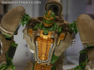 Transformers News: Beast Hunters Unicron Megatron, Ultra Magnus and Generations Swerve, Cosmos, Rhinox, Doubledealer Bios