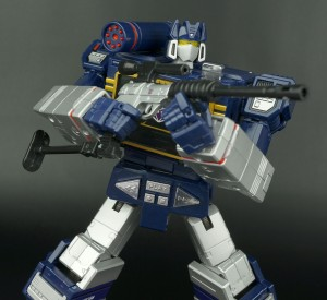 New Galleries: Hasbro Transformers Masterpiece MP-02 Soundwave, Laserbeak, Rumble, Ravage, Frenzy and Buzzsaw