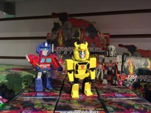Toy Fair 2018 - KidRobot Transformers vs GI Joe Vinyl Figures, Merchandise #HasbroToyFair #NYTF