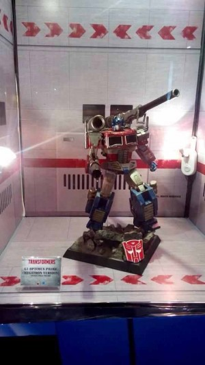 "Transformers News: Transformers ACG Hong Kong Convention Exclusive Revealed: Hot Toys G1 Optimus Prime ""Megatron Version"""