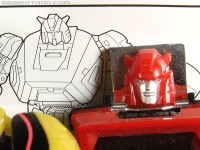 Transformers News: War for Cybertron CLIFFJUMPER line-art used in Bumblebee's instructions