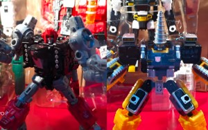 Selects Powerdashers Cromar and Zetar revealed in Hasbro display panel at ACG 2019