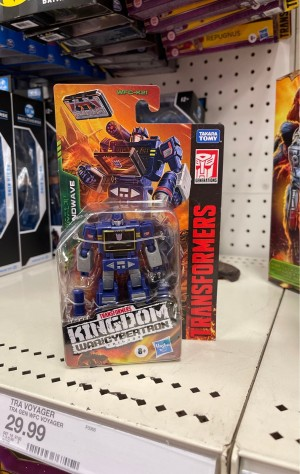 Kingdom Deluxe Wingfinger and Wave 3 Core Class Figures Found at US Retail