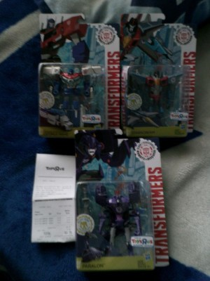 Warrior Class Starscream, Power Surge Optimus, and Paralon from Robots in Disguise Clash of the Transformers sighting