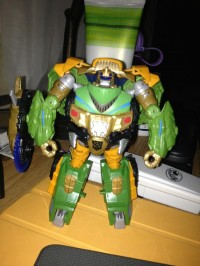 "Transformers News: Video Review: Transformers Prime ""Beast Hunters"" Deluxe Bulkhead"
