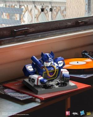 New Soundwave DJ Statue + Contest to Win It