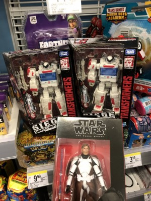 Transformers News: Exclusive WFC Siege Ratchet Found at Walgreens in the US