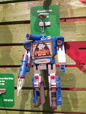 Hallmark Transformers G1 Soundwave Ornament Spotted At Retail!