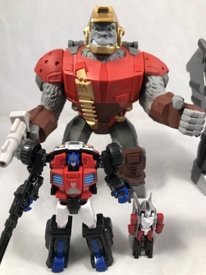 New In-Hand Images of Transformers Subscription Service Double Pretenders Optimus Prime and Megatron