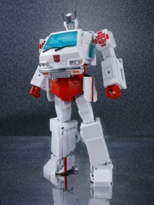 Transformers News: Ages Three and Up Product Updates - Apr 28, 2016 MP-30 Ratchet, Combiner Wars Victorion Box Set, Ocular Max Jaguar, TFC Hades Rhadamanthus, Perfect Effect Upgrade Sets, GCreation SRK04 Blade and more...
