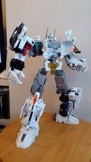 Transformers News: Extra in hand image of Transformers Generations Combiner Wars Optimus Maximus