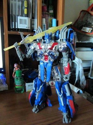 Transformers News: New Images: Transformers: Age of Extinction First Edition Optimus Prime Amazon Exclusive