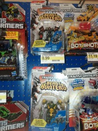 Transformers News: Transformers Prime Beast Hunters Cyberverse Commanders Hardshell & Trailcutter at Retail