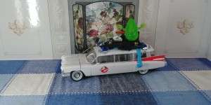 Transformers News: Chuck's Reviews Transformers / Ghostbusters Crossover Ecto-1 / Ectotron