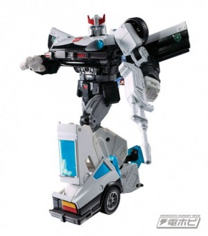 Transformers News: Transformers Masterpiece MP-17+ Prowl Revealed!