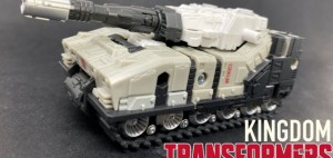 New Video Review of Transformers Kingdom Deluxe Class Slammer