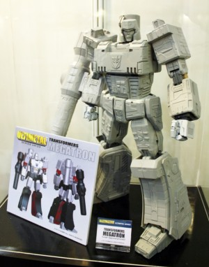 Transformers News: Fewture Announces UM-03 Ultimetal Megatron