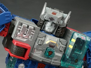 New Galleries: Titans Return Fortress Maximus with Cerebros and Emissary